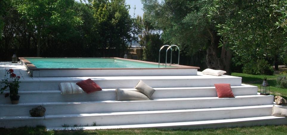 Costruire una piscina fuori terra in muratura idea - Rivestire piscina fuori terra fai da te ...